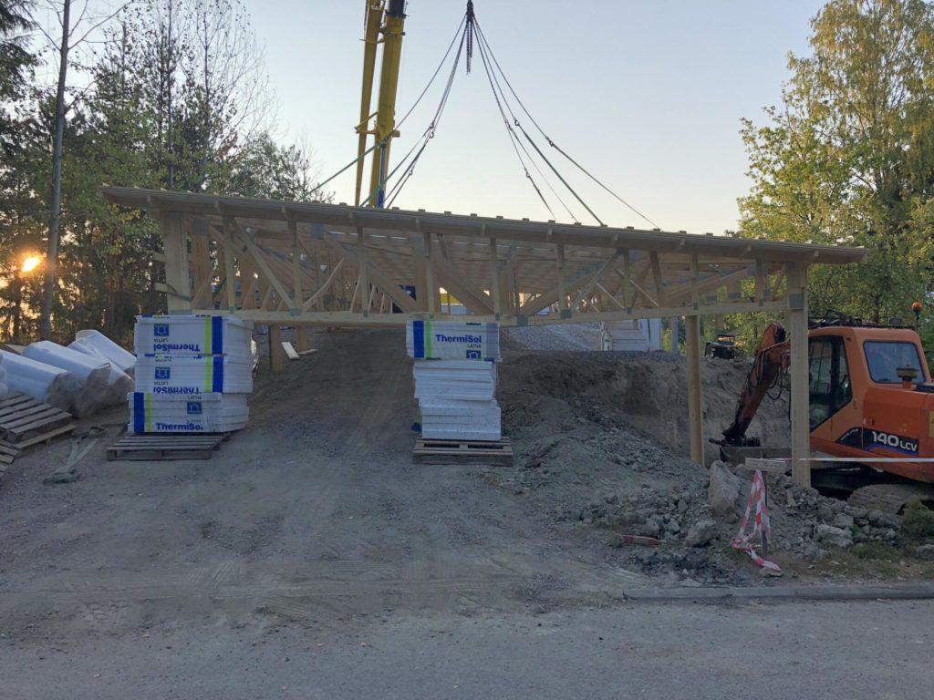 Katuse valmistamine maas. Vantaa Soome.