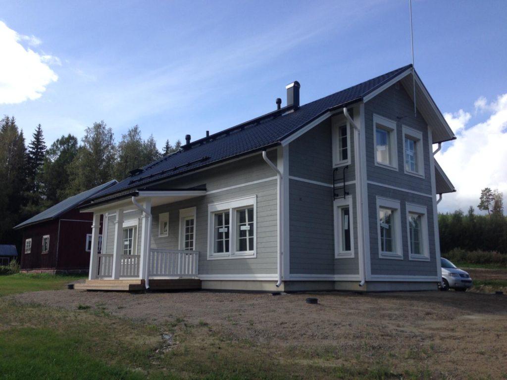 Puitkarkassmaja püstitus Voodri paigaldus Akende paigaldus. Mikkeli Soome.