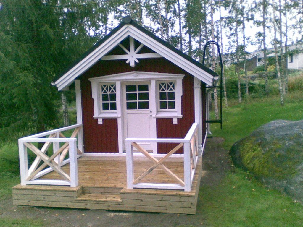Saunamajale terassi ehitamine. Sipoo Soome.