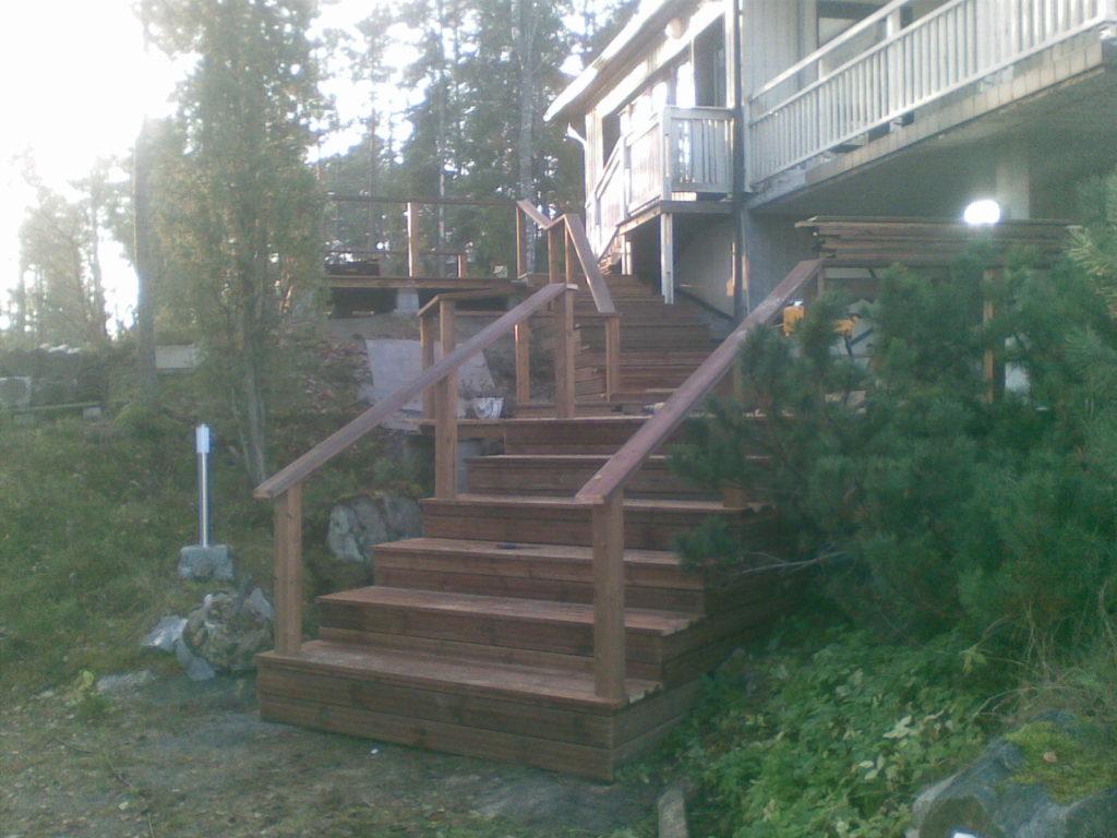 Terassi ja treppide ehitamine. Sipoo Soome.